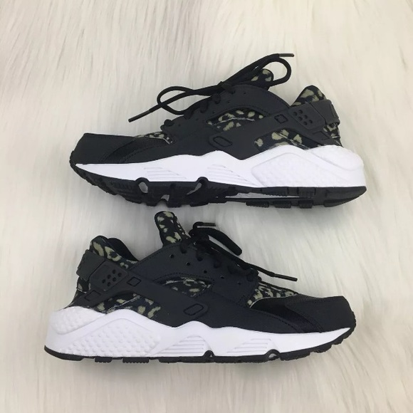 2f05afe79b192 Women s Nike Air Huarache Run Leopard Print Shoes